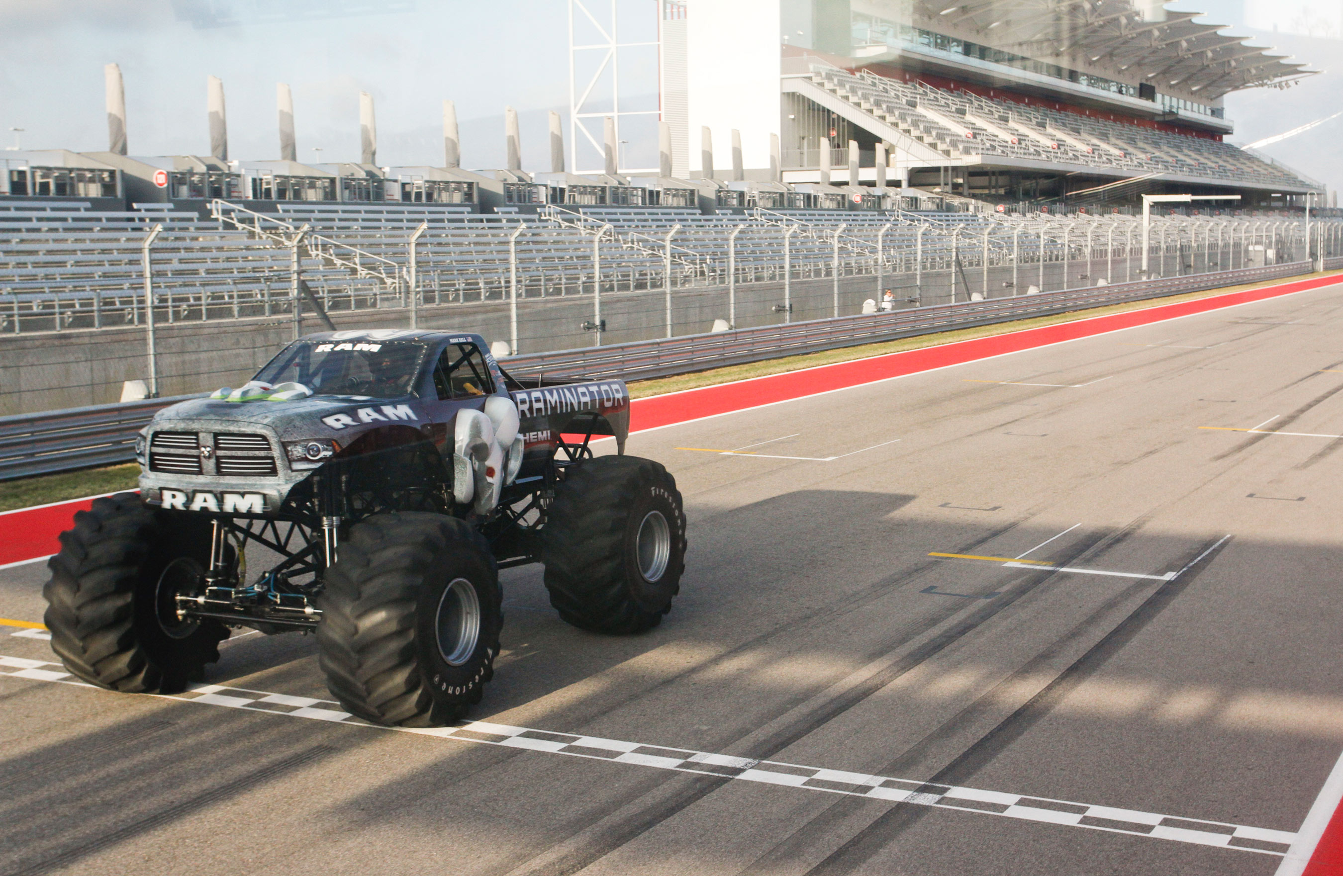 The 2000 HP 9 2 Liter Hemi Raminator Is ficially The World s